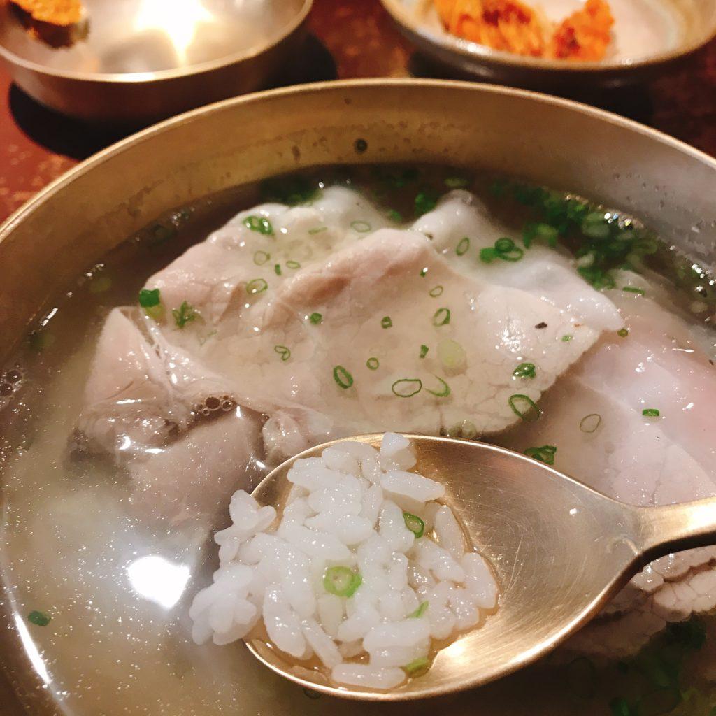 『屋同食』西橋店 テジコムタンのご飯