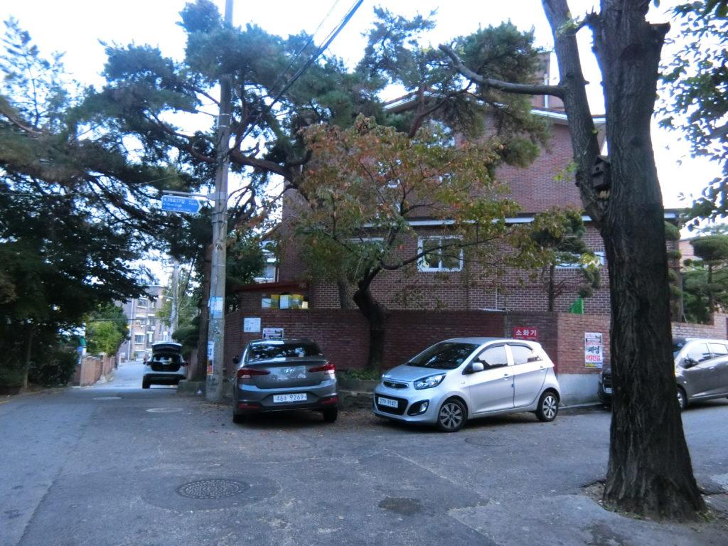 ユ・ジホのアパートへ行く曲がり角