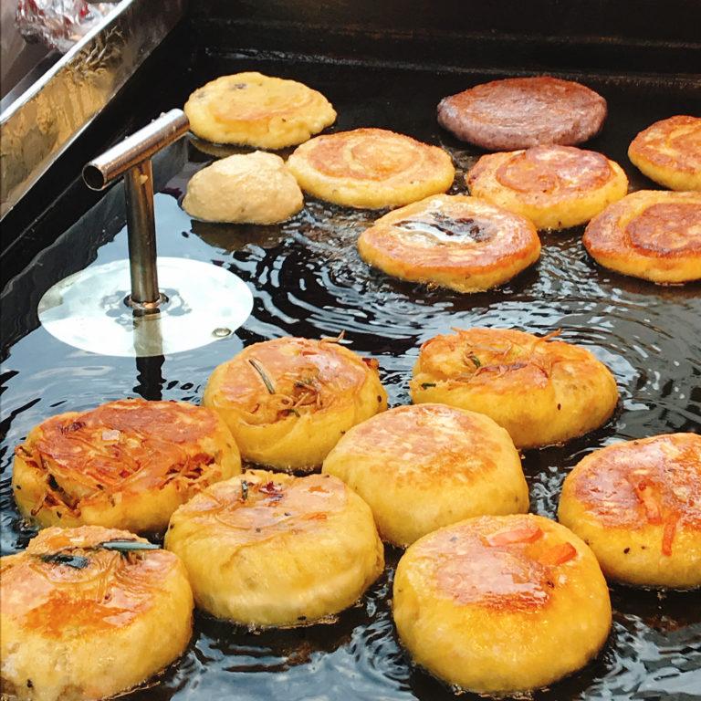 韓国のおやつホットクは南大門市場の李ホットクがおすすめ