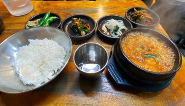 トゥッペギチッはソウルのチゲ専門店キムチチゲがおすすめ