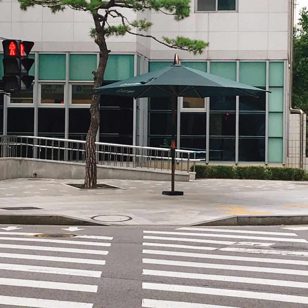 韓国ドラマ「春の夜」ロケ地 主人公イ・ジョンイン(ハン・ジミン)が信号待ちをしていた交差点